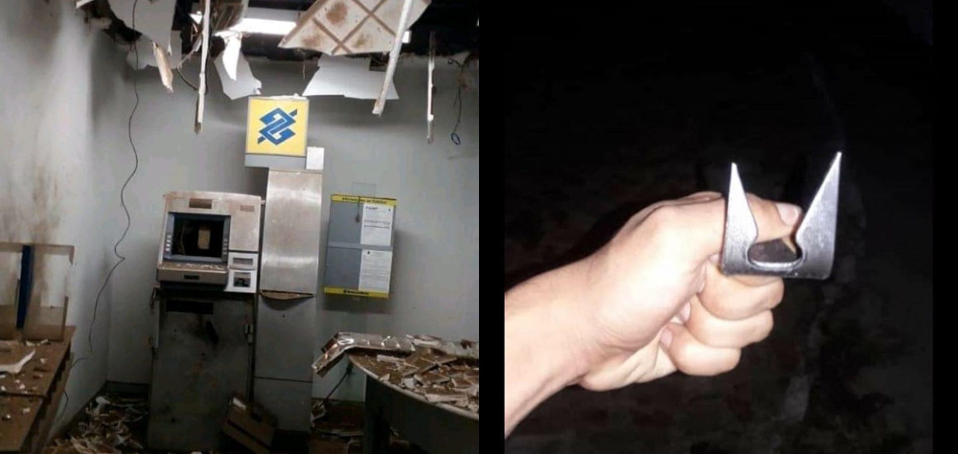 Trio explode posto bancário, faz reféns e troca tiros com a polícia no interior do PI