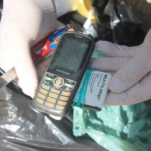 PI | Polícia encontra celulares dentro de fossa durante vistoria na antiga Casa de Custódia