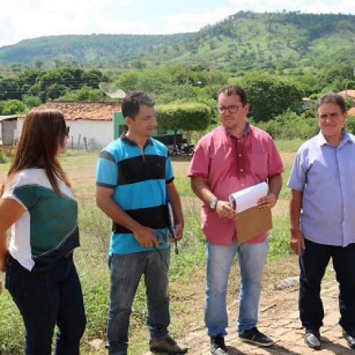 Diretor do DER-PI visita Santana do PI e garante que obra de recapeamento da PI-375 será retomada