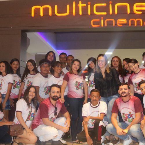 Social de Santana oferta sessão de cinema gratuita a jovens do SCFV