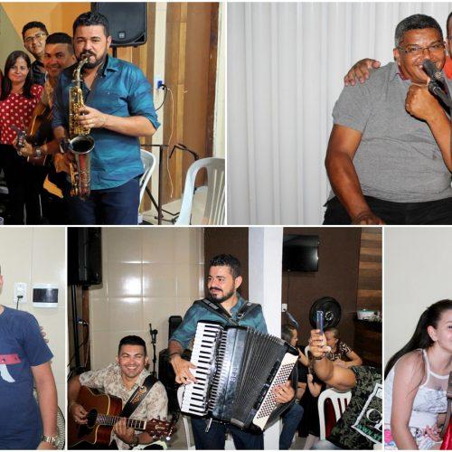 Companhia dos músicos, produtores e publicitários realiza confraternização em Simões