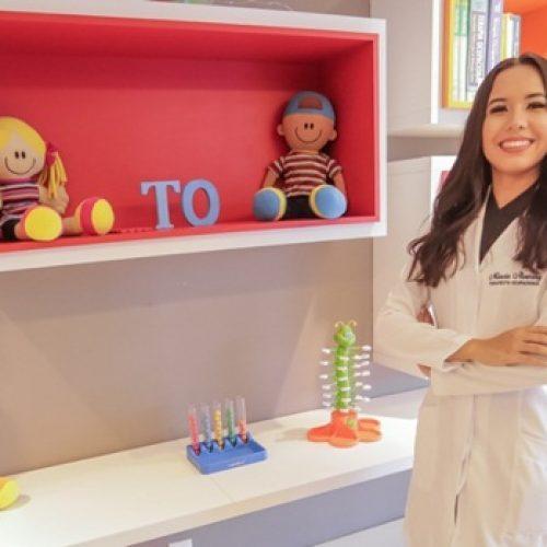 Escolinha Pequeno Polegar parabeniza ex-aluna pela conclusão do bacharelado em Terapia Ocupacional