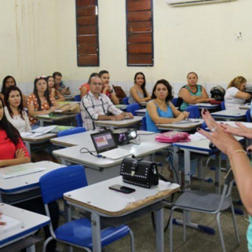 Conselheiros tutelares de Santana participam de formação regional em Picos