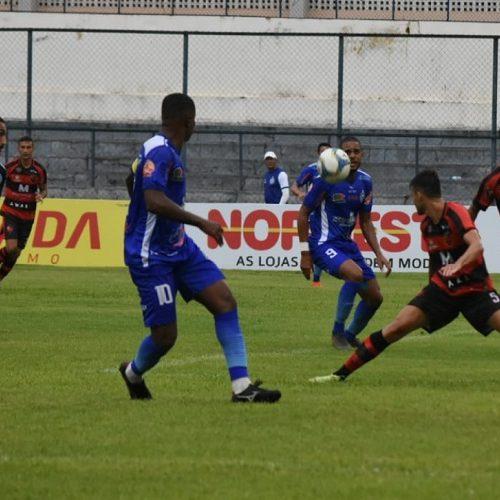 Flamengo-PI vence o Parnahyba e assume a liderança do Piauiense