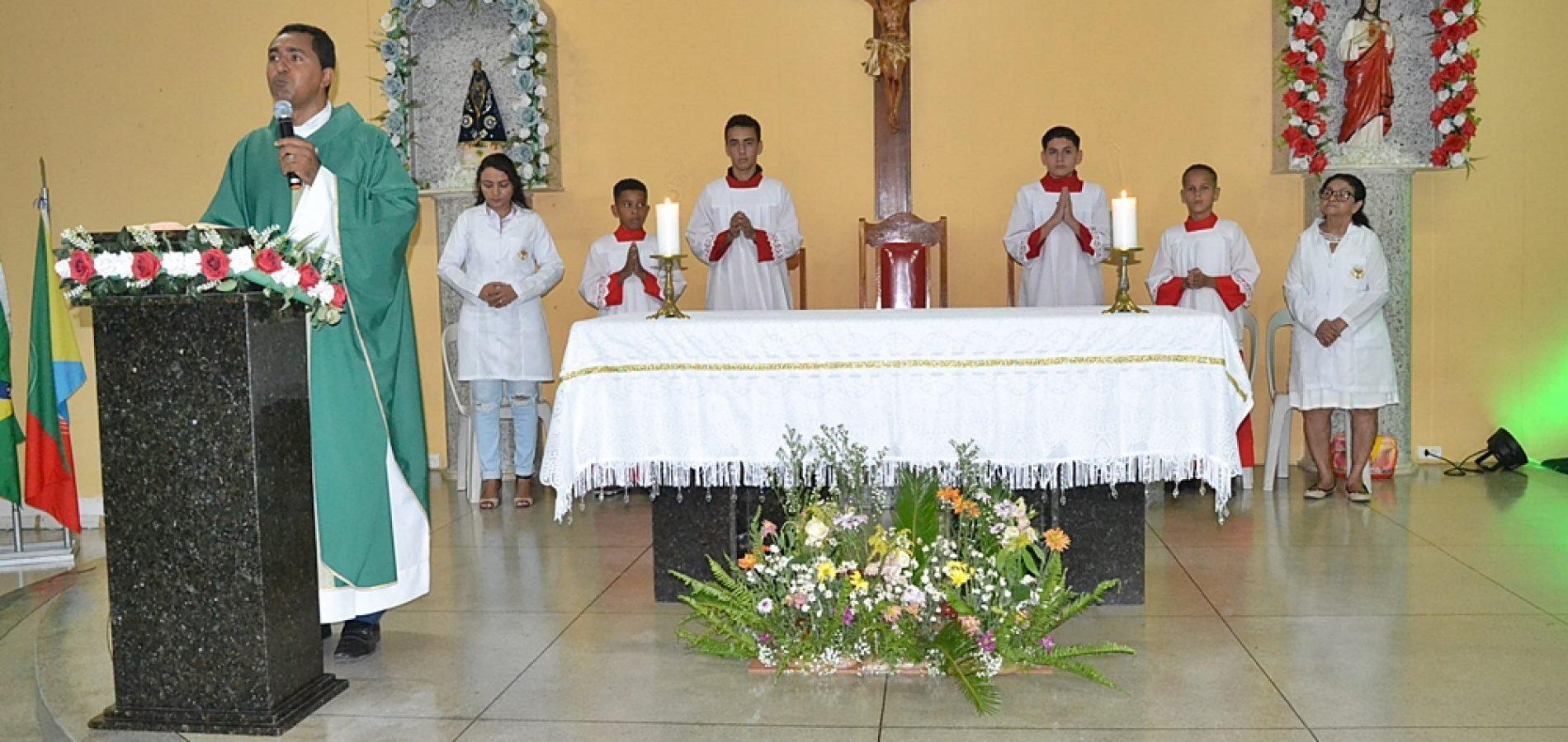 CARIDADE 24 ANOS | Fotos da Missa em Ação de Graças e festa com artistas locais