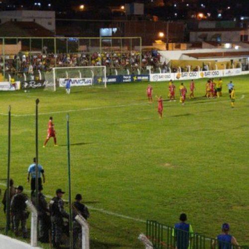 Ataques da SEP e 4 de Julho ficam no débito, e empate sem gols frustra torcida picoense