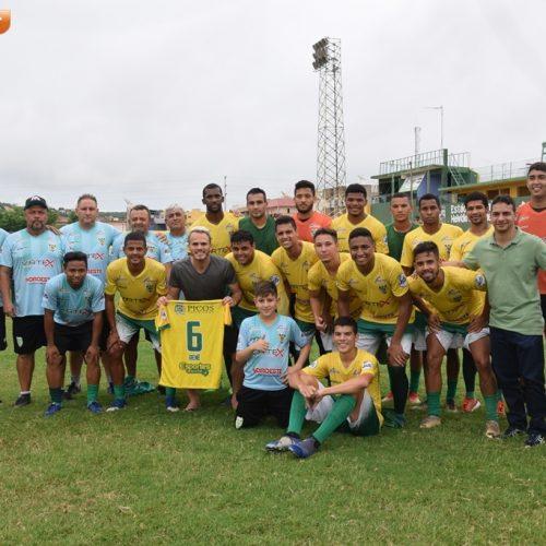 PICOS | Renê, lateral do Flamengo, faz visita a jogadores da SEP