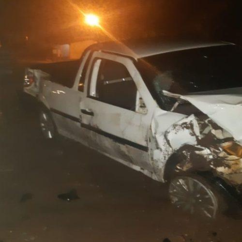 Mulher morre e duas pessoas ficam feridas após colisão entre carro e moto na BR-020