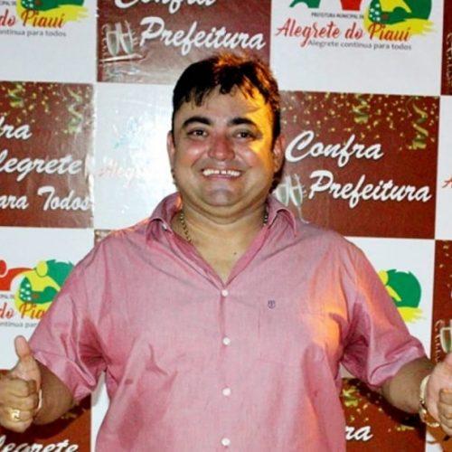 Prefeito Márcio Alencar anuncia atrações do 28º aniversário de Alegrete do Piauí. Veja!