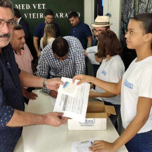 Prefeito Zé Ulisses assina convênio para construção de espaço multieventos em Simões