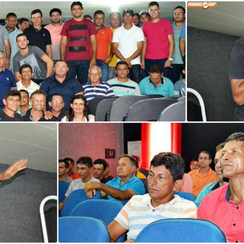 Apicultores da região de Picos se reúnem em Jaicós e discutem valorização do preço do mel