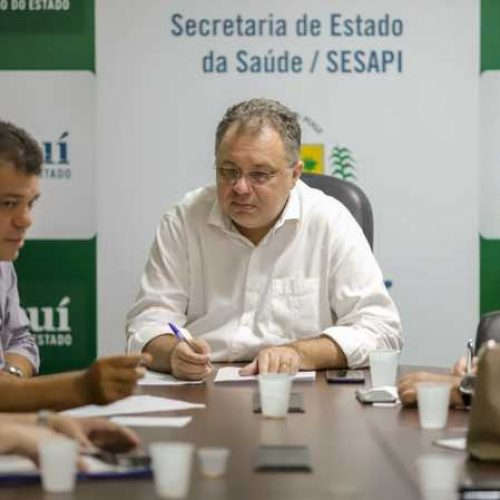 Governo do Piauí anuncia compra de 10 mil kits de exames e criação de 100 novas UTIs