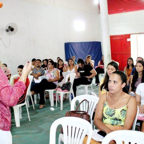ALEGRETE | Palestra sobre afetividade na educação escolar marca 2º dia da Semana Pedagógica; fotos