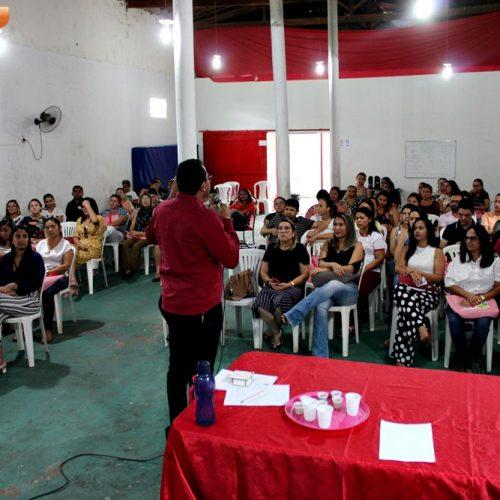 Programa Saúde na Escola e Educação Ambiental são abordados no 3º dia da Semana Pedagógica em Alegrete; fotos