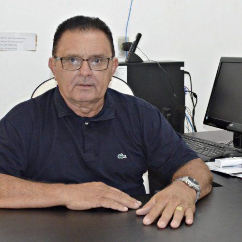FRANCISCO MACEDO   Prefeito concede reajuste de 12,84% no piso salarial dos professores da rede municipal