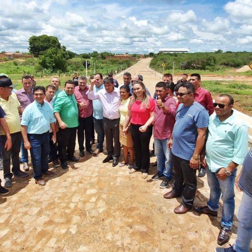 Em Caridade do Piauí, governador W. Dias inaugura obras com o prefeito Toninho e anuncia mais investimentos