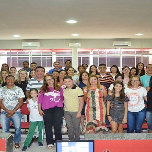 SIMÕES | Palestra com psicóloga Graça Moura marca abertura da Semana Pedagógica da rede estadual
