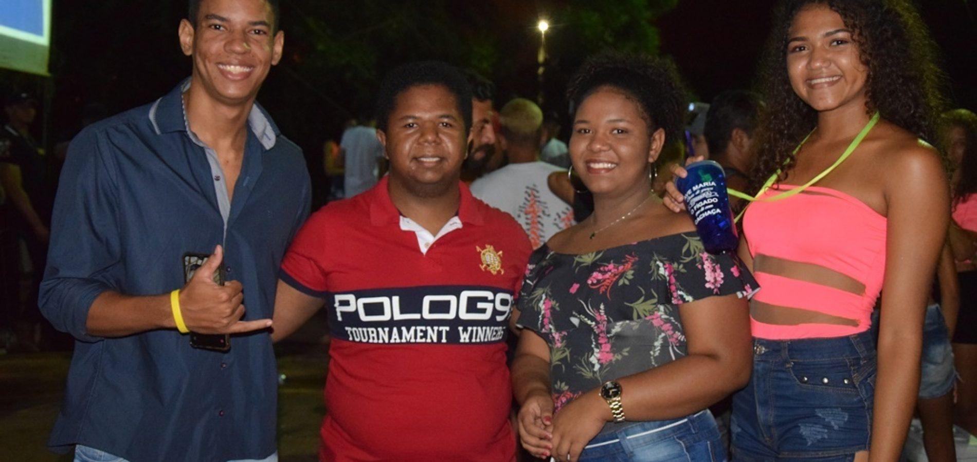 PICOS | Confira as imagens da terceira noite do Picos Folia 2020