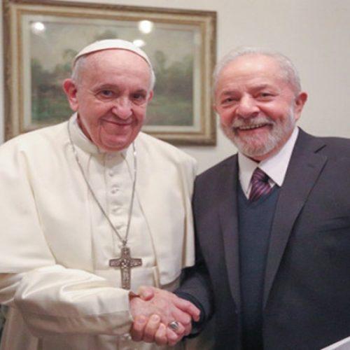 Lula se encontra com Papa Francisco: 'Mundo mais justo e fraterno'