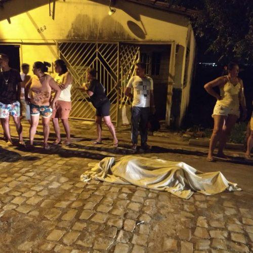 Cadeirante idosa morre carbonizada na própria casa em Picos