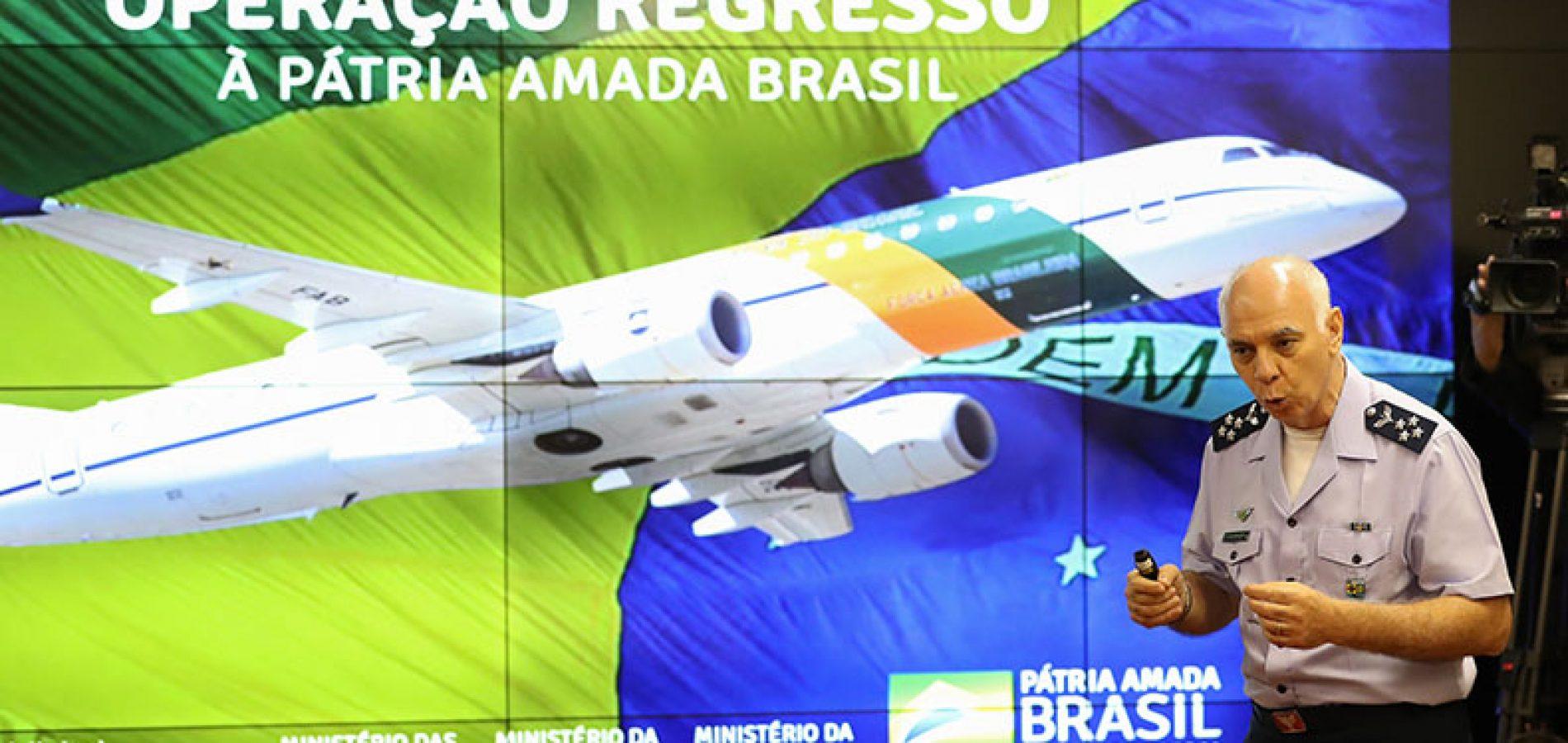 Brasileiros resgatados chegam a Anápolis sem sintomas do coronavírus