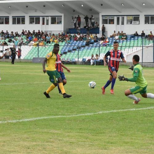 Picos venceu e recuperou a liderança do Campeonato Piauiense