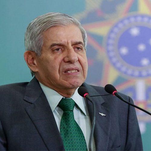 Ministro do GSI é o 16º infectado pelo coronavírus do grupo que viajou com Bolsonaro