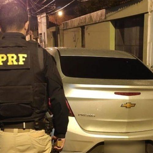 Dois jovens são presos suspeitos de roubar carro de vereador no Piauí