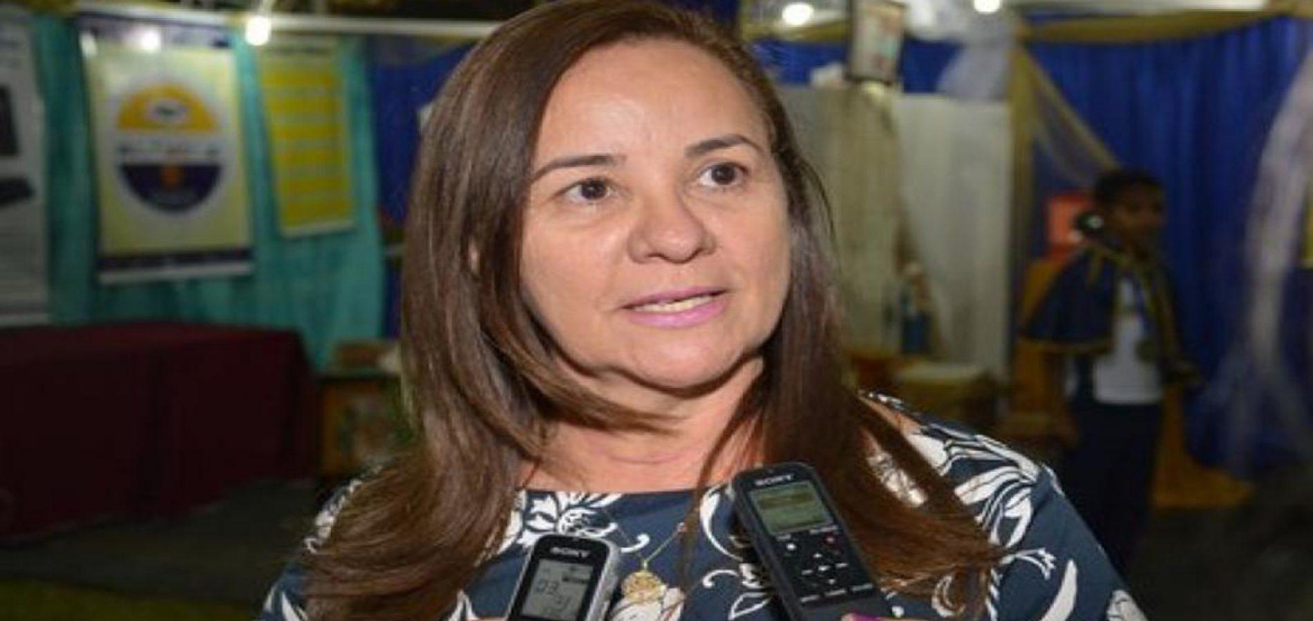SANTANA | Prefeita assina novo decreto adotando medidas de enfrentamento ao Coronavírus