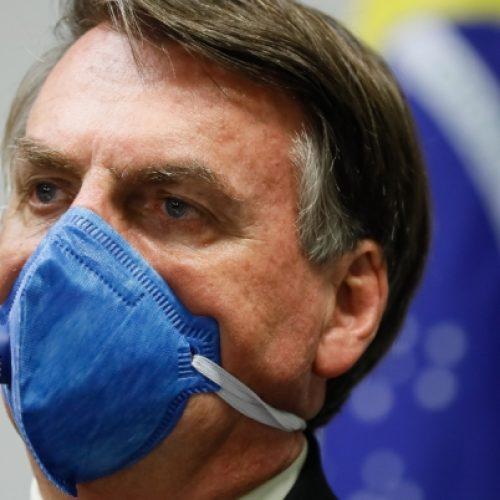 Bolsonaro sanciona lei que restringe circulação de pessoas na pandemia