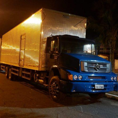 Bandidos tentam recuperar caminhão apreendido e atiram contra delegado
