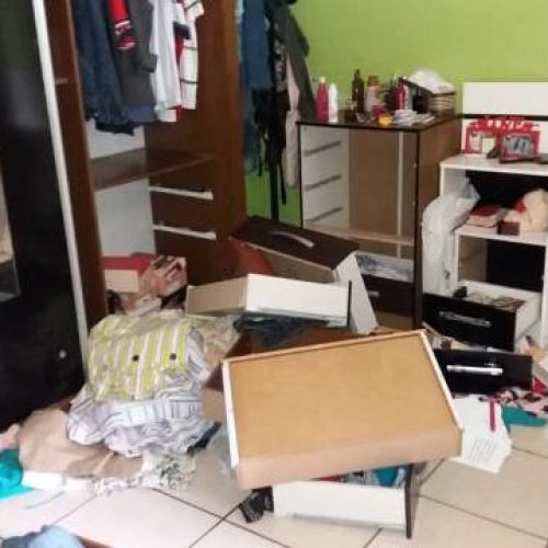 Bandidos invadem casa de empresário no Piauí e fazem oito pessoas reféns