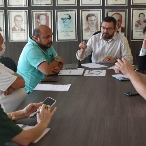 Padre Walmir emite novo decreto que estende quarentena em escolas e comércio de Picos