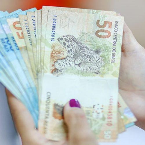 Veja três formas inteligentes de usar o dinheiro do 13º Salário