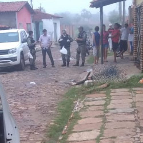 Homem é morto com golpes de faca no pescoço no interior do Piauí