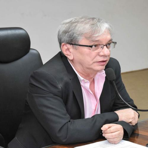 Reitor da UFPI diz que período não será cancelado e garante equilíbrio financeiro