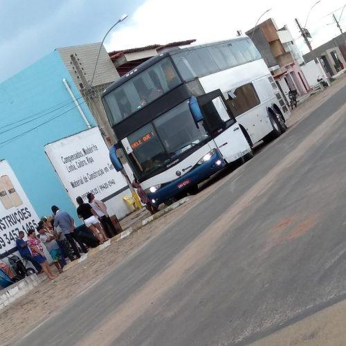 Ônibus vindos de São Paulo desembarcam em Jaicós e deixam a população preocupada