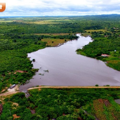 Barragem de Alegrete Velho segue transbordando, muda paisagem e alegra moradores. Veja imagens aéreas!