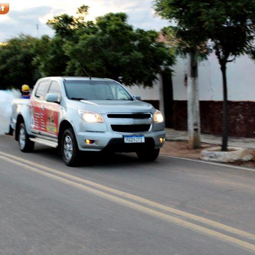 ALEGRETE NÃO PARA | Prefeitura usa carro fumacê na cidade e no interior para ajudar no combate aos mosquitos