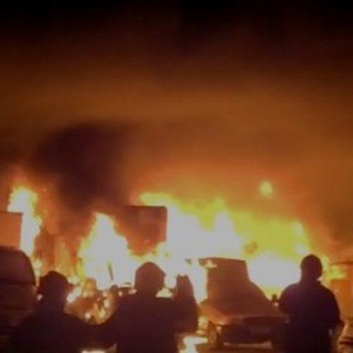 Incêndio destrói frota de veículos de empresa de laticínios no Piauí