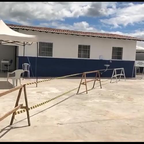 Saúde de Caridade do Piauí prepara espaço exclusivo para atender pacientes com sintomas respiratórios