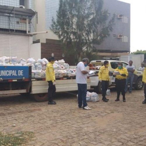 Secretaria de Trânsito de Picos distribui cestas básicas para mototaxistas regularizados