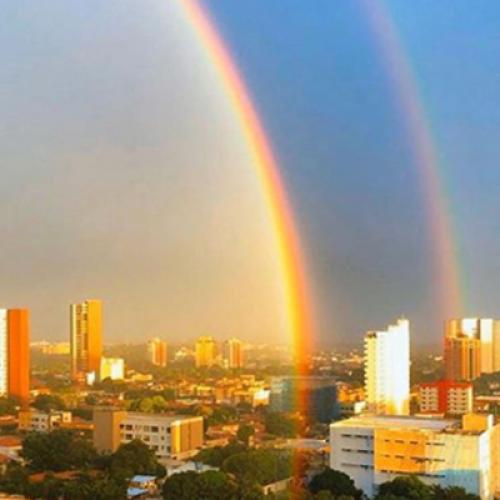 Sombra 'misteriosa' chama atenção em aparição de arco-íris em Teresina