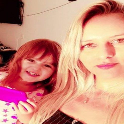 Modelo de Francisco Santos pede ajuda para voltar do México com a filha
