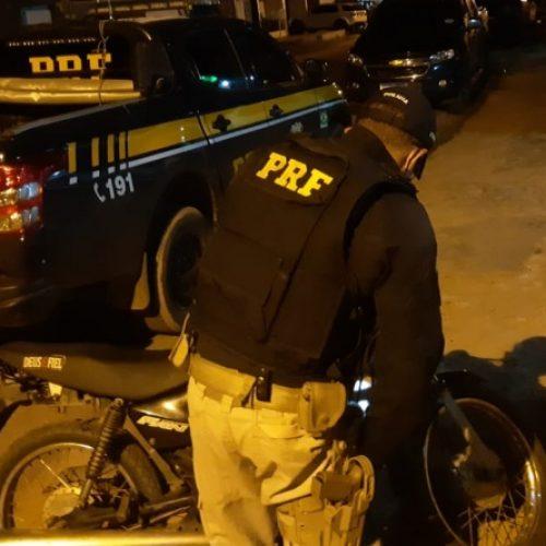 Em Santo Antônio de Lisboa, PRF recupera na BR-020 moto roubada há 13 anos