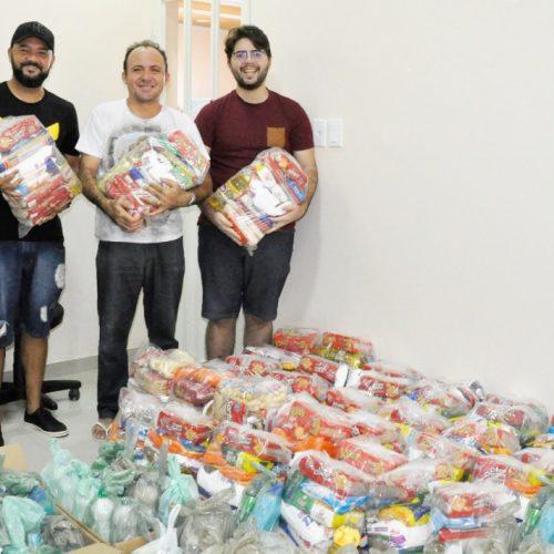 PADRE MARCOS | Alimentos arrecadados na live do DJ Magrão serão entregues pela Paróquia de Santo Antônio