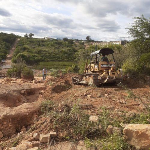 Prefeitura de Francisco Macedo inicia recuperação de estradas na zona rural