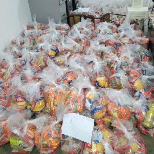 Educação de Francisco Macedo distribui 586 kits de merenda escolar para famílias de alunos