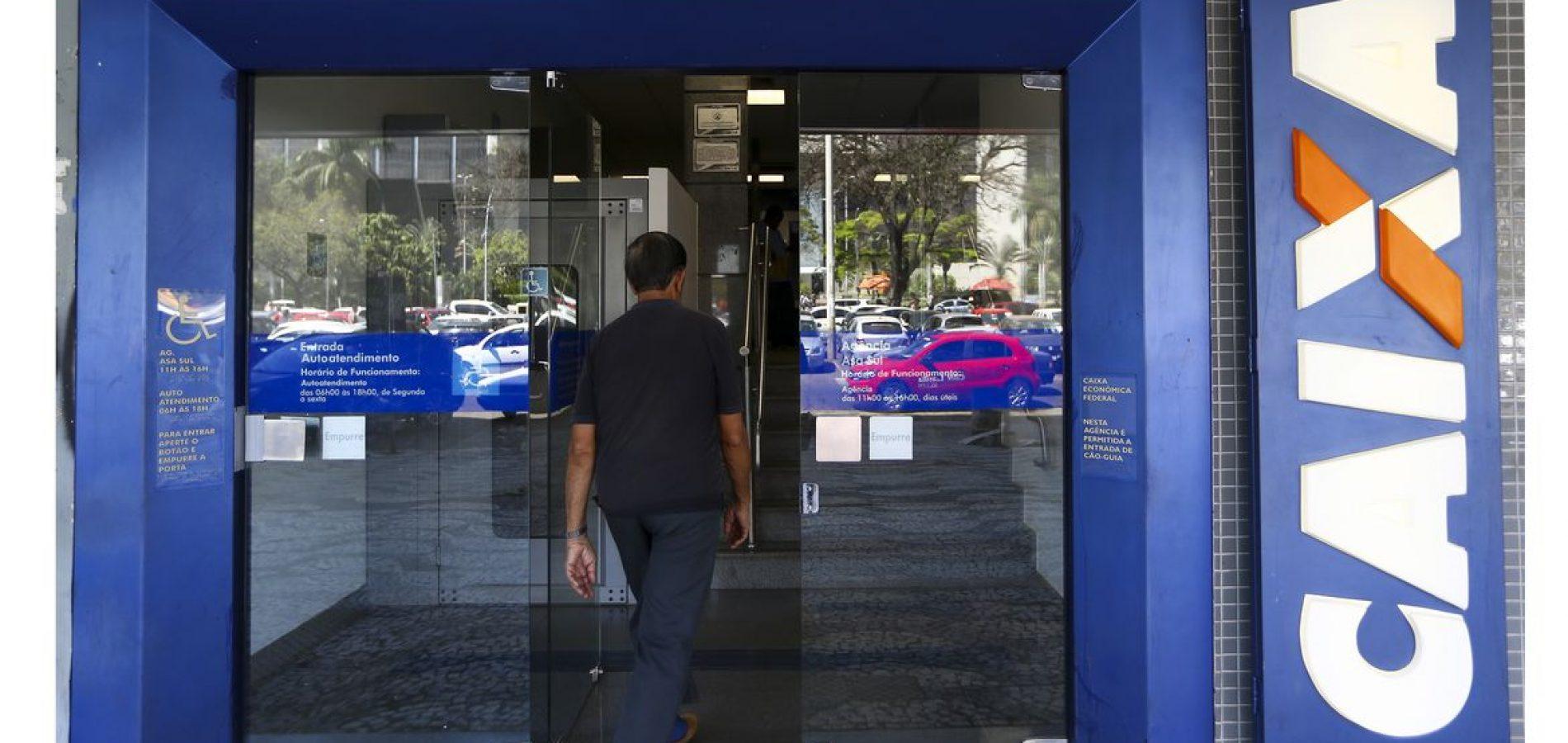 Caixa abrirá 2.213 agências para saque do auxílio de R$ 600 no sábado; veja calendário de pagamento
