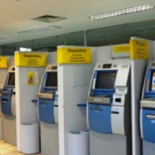 Menor é flagrado tentando abrir caixas eletrônicos de agência bancária em Picos